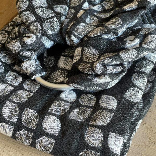acheter-louer-sling-Yaro-petals-ultra-black-white-grey-tencel